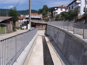 Restoration of retaining walls and culvert in Borino